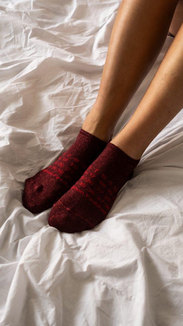 Modèles de socquettes rouge à paillettes spécial Marathon