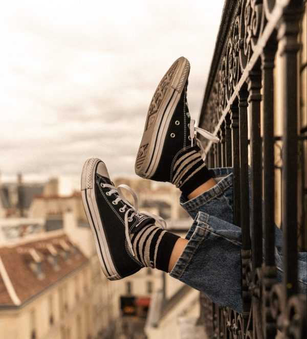 Modèle de chaussettes à rayures mi-hautes