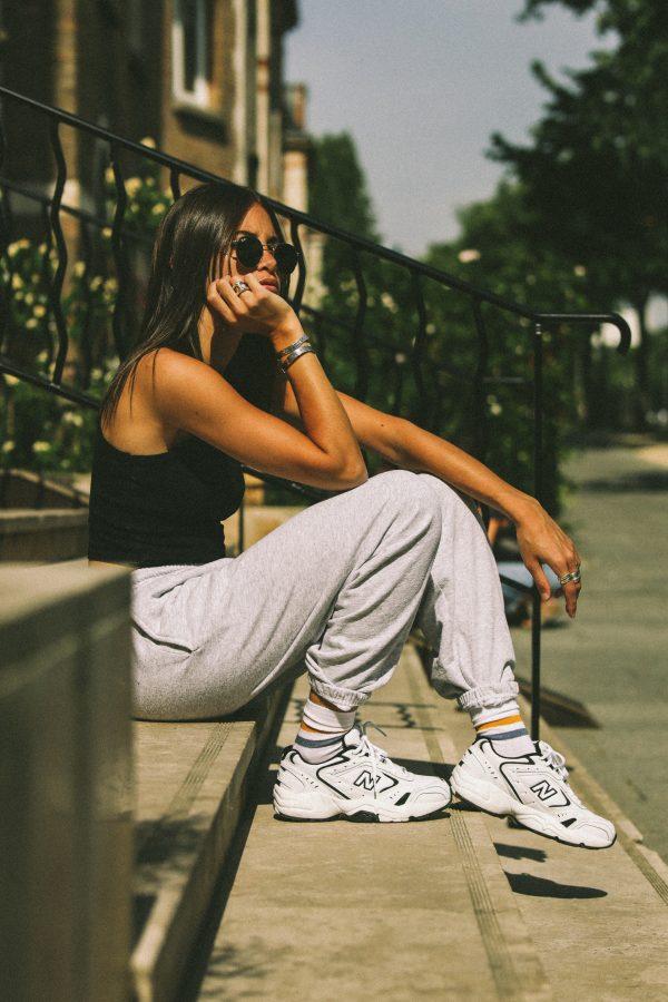 Chaussettes mi hautes blanches à bandes de couleur